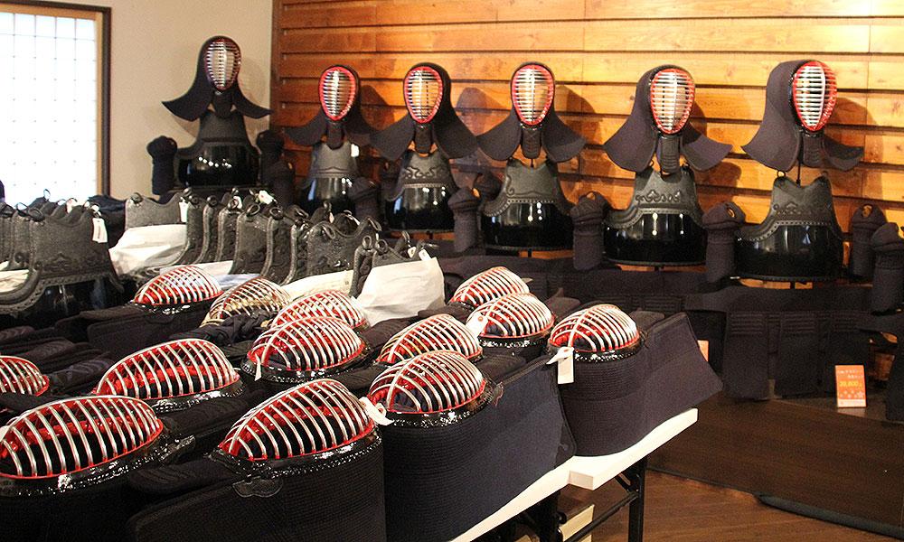 京都武道具店の二階剣道防具コーナー
